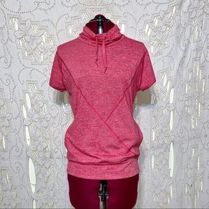 Adidas short sleeve top size small in EUC